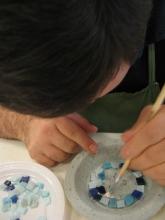 Laboratorio di cartapesta e mosaico